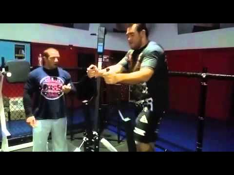 Augusto Sakai training w Stefane Dias for Bellator HW divis