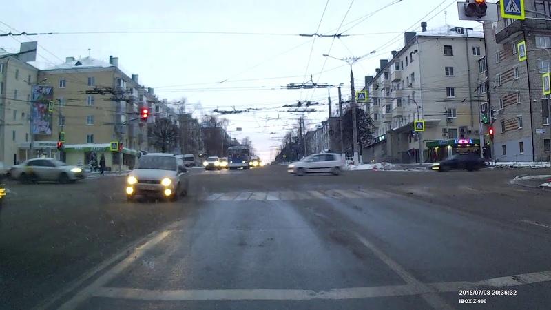 Калина валит бочком. Проспект Ленина, Чебоксары