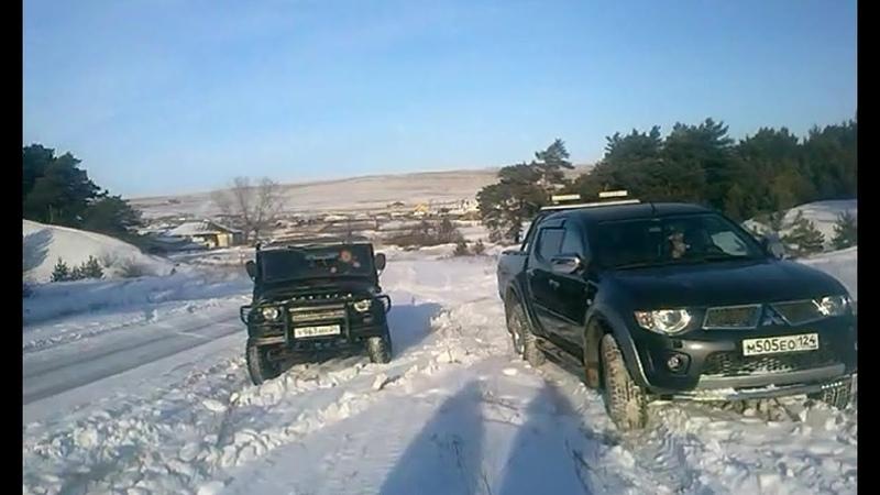 УАЗ, L200, RAV4 - очередной паркетник с танками по снегу.