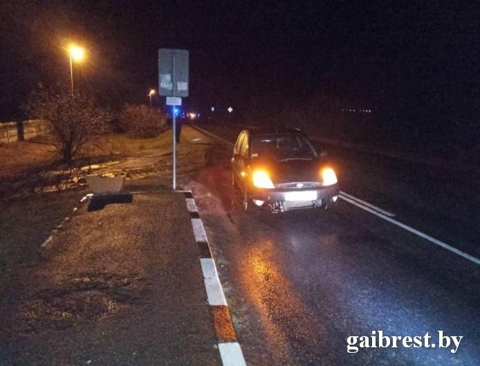 Пинский район: в результате наезда лежащий на дороге мужчина погиб на месте