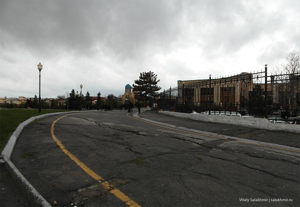 Поворот на улицу Ислама Каримова, Самарканд 2019
