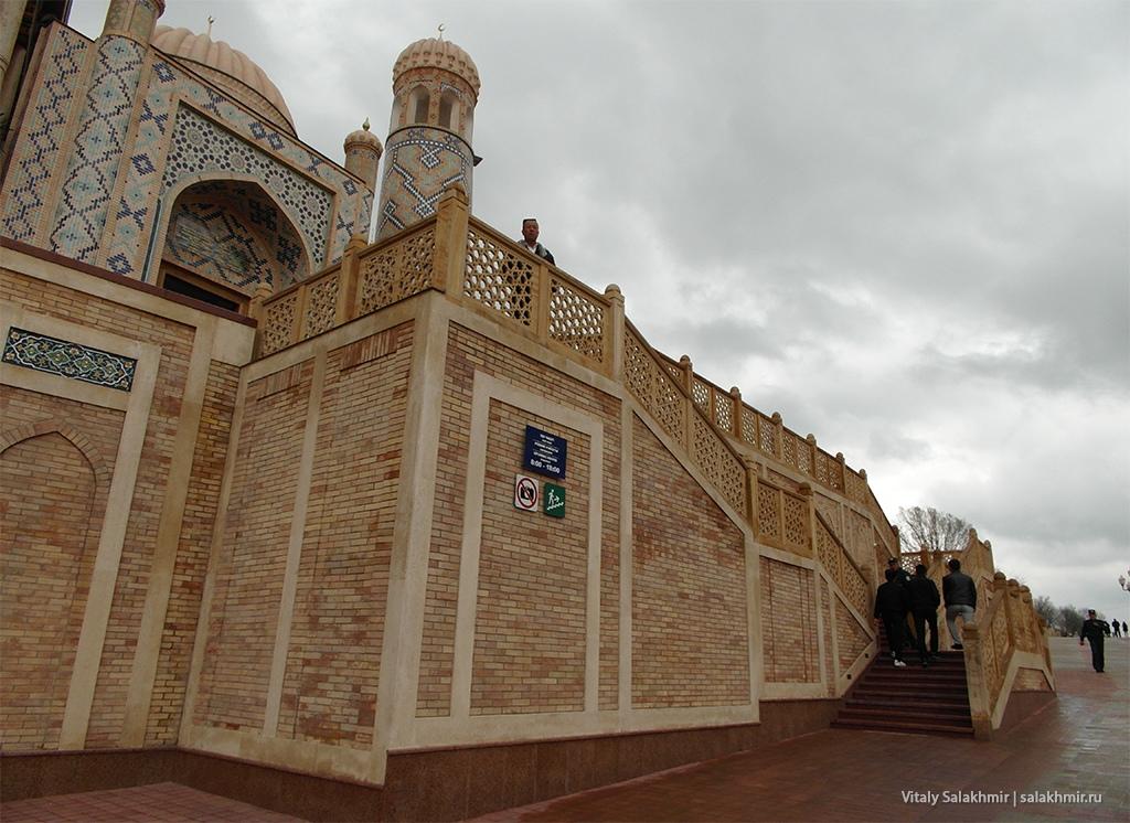 Вход в Хазрет-Хызр, Узбекистан, Самарканд 2019
