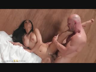 Tia cyrus, johnny sins  ( порно . секс . анал . brazzers )