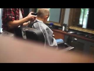 Barbershop sisters