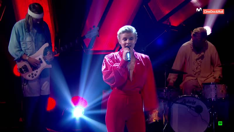 Robyn - Missing U / Honey / Dancing on My Own (Later... with Jools Holland 53-06 - 2018-10-30)