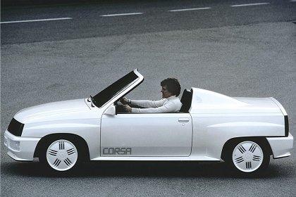 Вехи истории : 1982 Opel Corsa Spider Впечатляющий концептуальный автомобиль из стекловолокна «Corsa Spider» был представлен на автосалоне в Женеве в 1982 году. Накладки использовались для