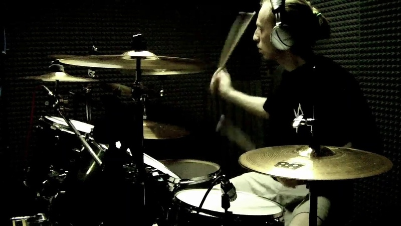 VSPOLOKH recording drums for Pomre album