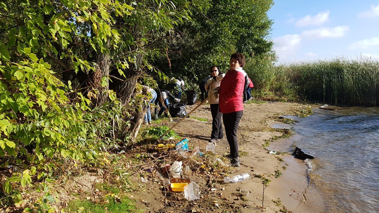 Более 1000 человек участвуют в массовой уборке города — Изображение 3