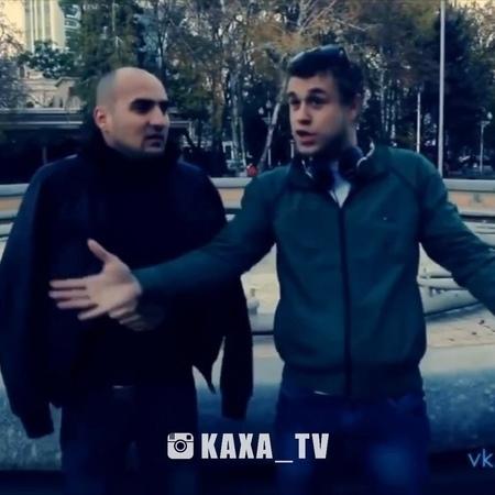 """Каха и Серго 'Жилистый' 18 on Instagram: """"➡️ @kaxa_tv 💥Достал нож реж🔥😂 🔝За репосты Лайкаю❤️ @kaxa_tv Единственные официальные страницы @sergo_art..."""