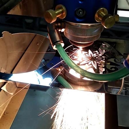 @ on Instagram Лазерная резка нержавейки 0 5мм CO2 трубка 130Вт Разработка Сборка и поставка лазерного оборудования для резки металлов