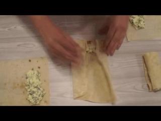 Пирожки-за-10-минут-в-духовке-с-луком-и-яйцом-из-лаваша