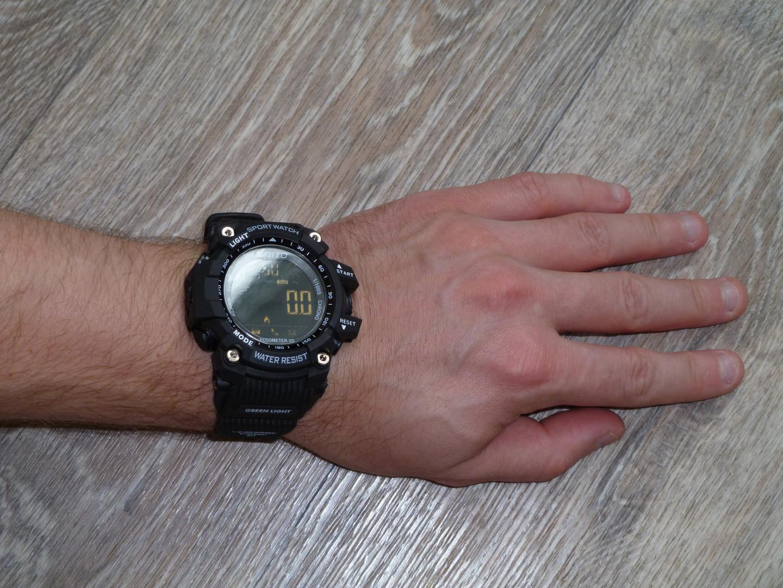 Всем привет отличные недорогие спортивные смарт-часы покупал за 1350 рублей Комплектация минимальная сами часы и инструк