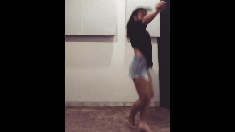 Dance video - Womp Womp