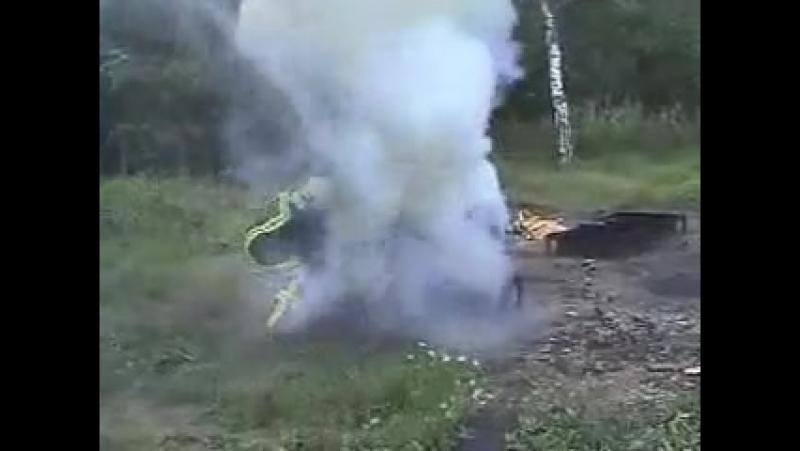 Тушение очага 6А воздушно-эмульсионным огнетушителем ОВЭ-6