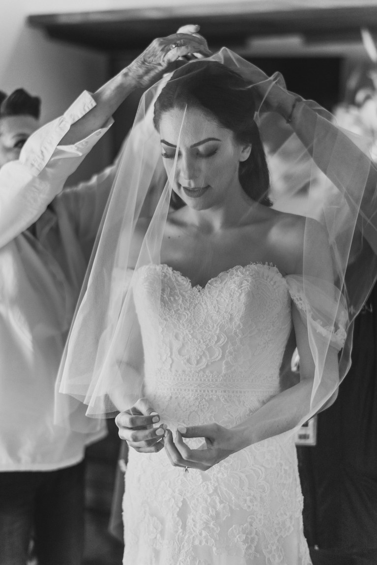 kXS47sLa4CE - Быть гостем на свадьбе: как подготовиться к поздравлениям?