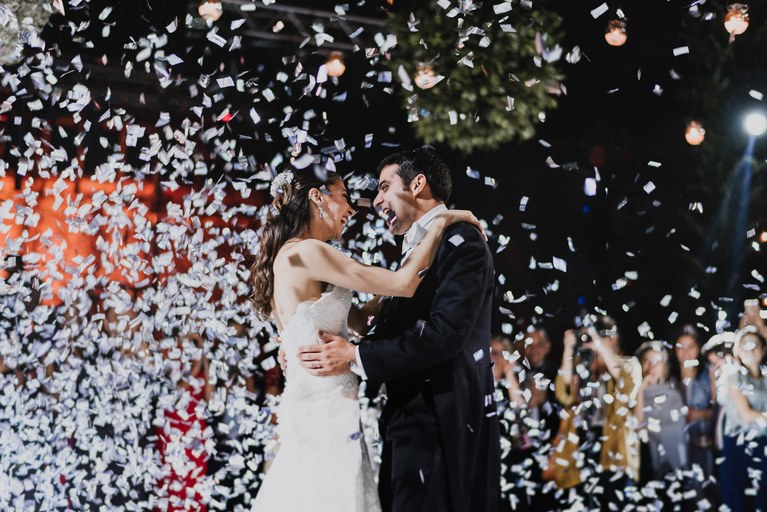696IEvTffnw - Быть гостем на свадьбе: как подготовиться к поздравлениям?