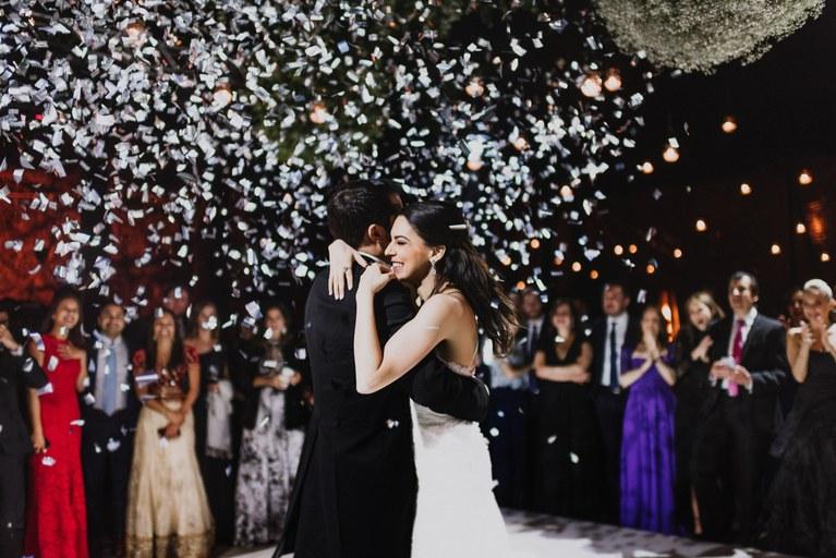 5FSTW8RUDow - Быть гостем на свадьбе: как подготовиться к поздравлениям?