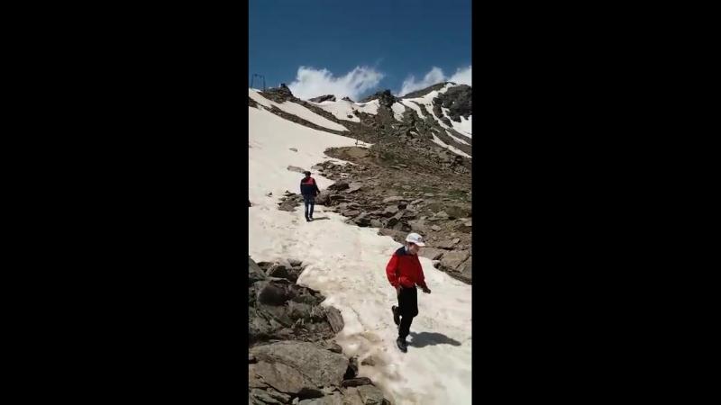 Снежки в горах