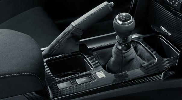Toyota вернула Mar X спортивную версию GRMN: мотор стандартный, зато с «механикой». В Японии стартовал прием заказов на «четырехдверку» Тойоты в версии GRMN. Поставки новинки начнутся весной.У