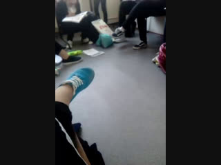Девочки делают уроки в разделе 😂😎