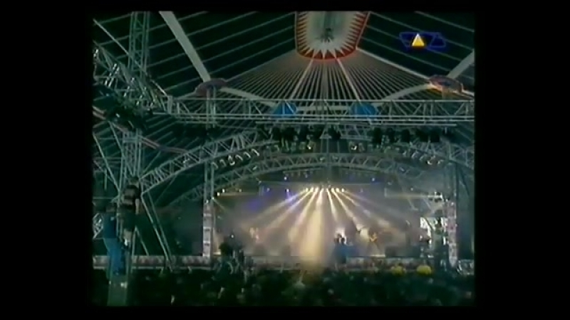 Six Feet Under – War Is Coming (Live at Dynamo Open Air 1998)