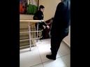 Скандал в суде Сибая: судебный пристав спустил свидетельницу с лестницы