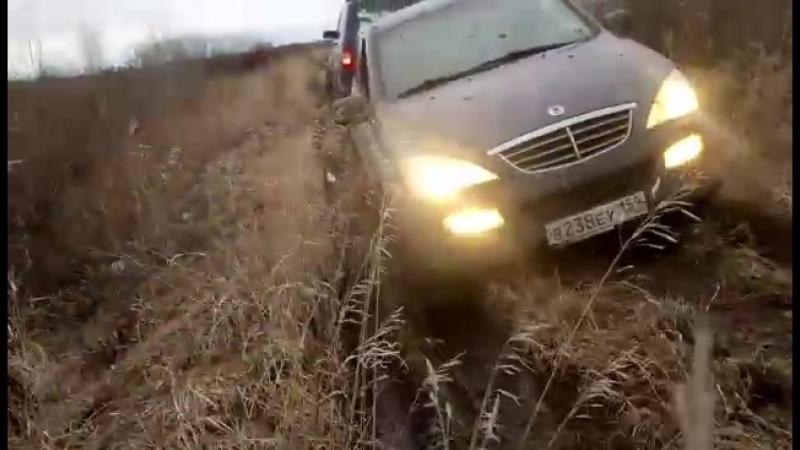 Эвакуация SsangYong Rexton из грязи...