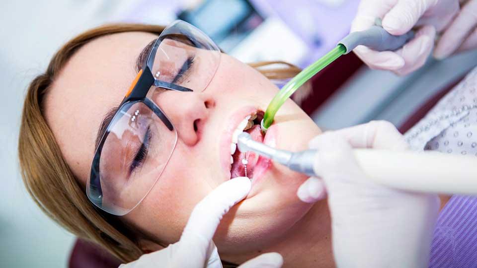 Что такое стоматологическое пломбирование?