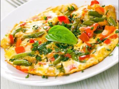 Омлет с овощами. Идея, что приготовить на завтрак.