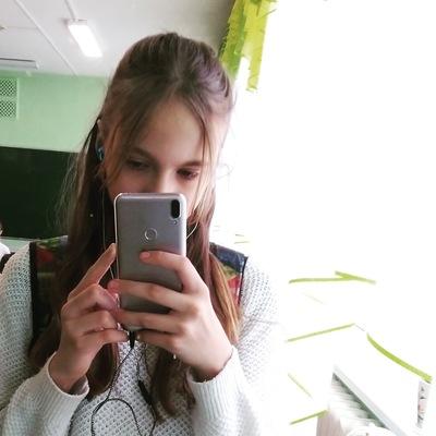 Виктория Стрельцова