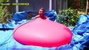 Взрыв гигантского шара с водой
