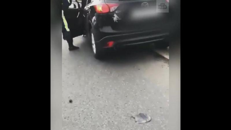 Неадекватная женщина решила погонять по МКАД. Протаранила несколько машин и едва не убилась сама.