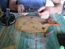 Ремонт DVD Проигрывателя.Pioneer DV-300. Ремонт Платы. Ставим конденсаторы каторые были оторваны и снимаем кандёр замыкающий.