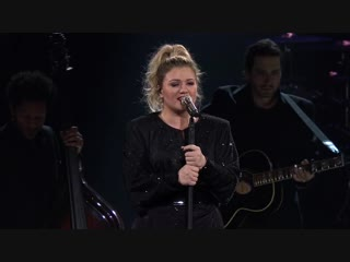 Kelly Clarkson - Tin Man (Miranda Lambert cover @ Meaning of Life Tour Live 01/24/19)