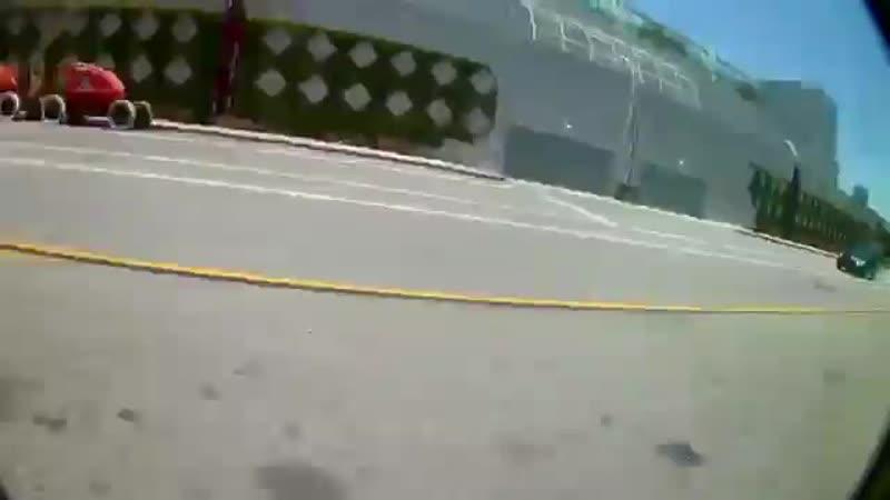 В США мужчине не приглянулась агрессивная езда мотоциклиста и он просто его сбил, чтобы проучить