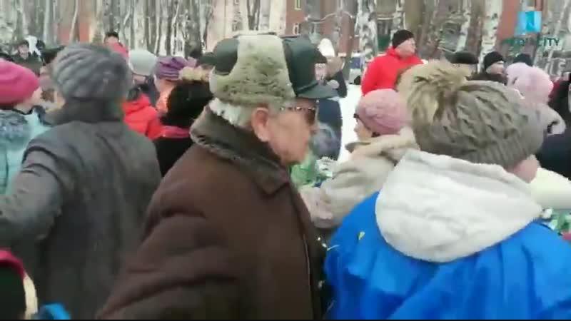 ЛДПРовцы решили 3-ого числа конфет бесплатных пораздовать в Курске, но как-то не