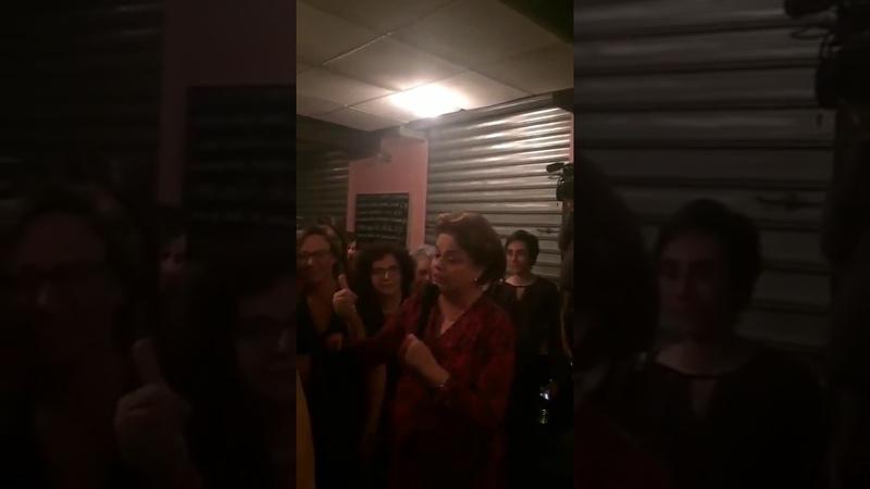Não chorei no impeachment, mas quando vejo Lula naquela cela, desmaio chorando, diz Dilma