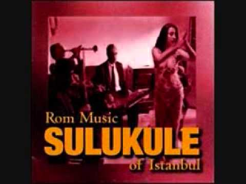 Sulukule: Rom Music of Istanbul - 'Mavisim' Turkey Kurmani Cemal belly dance