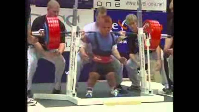 ANDRZEJ STANASZEK - 300,5kg/squat @ 52k