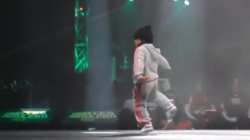 B-GIRL TERRA (6 Years Old) Vs B-BOY LEELOU (Best Version)