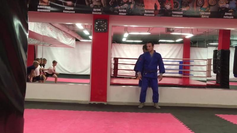 Тренировки по борьбе - Тренер Роман Ляменов - Детский Клуб в СЦ РОСИЧ