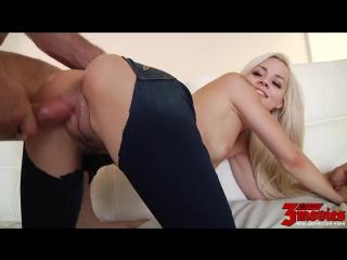 Трахает красотку в джинсах Elsa Dream Has A Stunning Body - Milf mature Ass Babes Няшка Русское домашние Порно anal fuck блондин