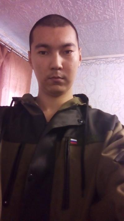 Леонид Интенгенов
