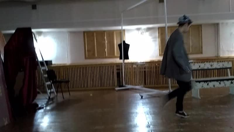 Макарская и Васенька. Сцена 1.