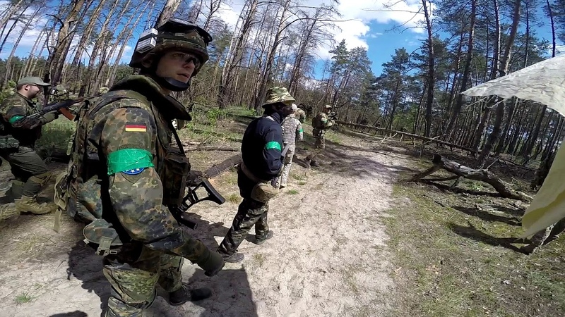 AIRSOFT And the grenade launcher in the forest