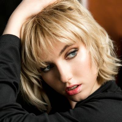 Лиза Леонидова