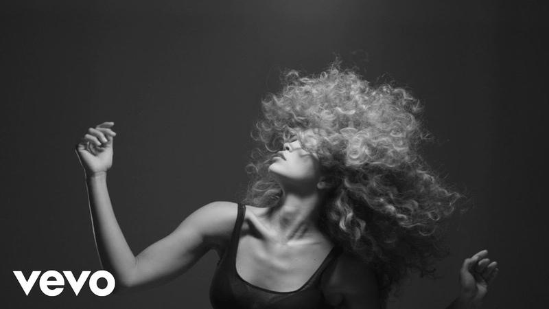 LION BABE - Treat Me Like Fire (visual 2)