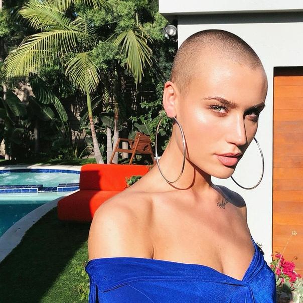 «На самом деле я стеснительная»: девушкой месяца Playboy впервые стала лысая модель На страницах журнала Playboy впервые появится модель с налысо побритой головой 23-летняя Вендела Линдблом