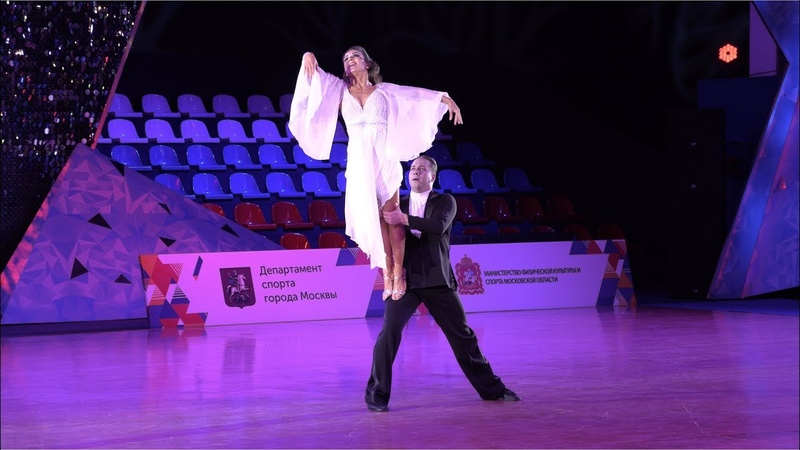 Райзинг Артем - Бальцер Ольга (Реверанс, Екатеринбург) | Шоу-номер Вечная (HD)