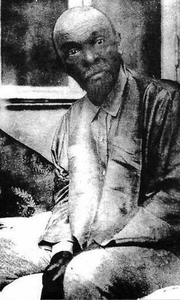 Одно из последних фото Ленина, сделанное его младшей сестрой Марией Ульяновой, 1923 год